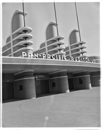 Pan-Pacific Auditorium, later used as design for Disneyland entrance